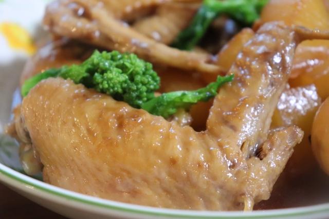 鶏手羽煮込み