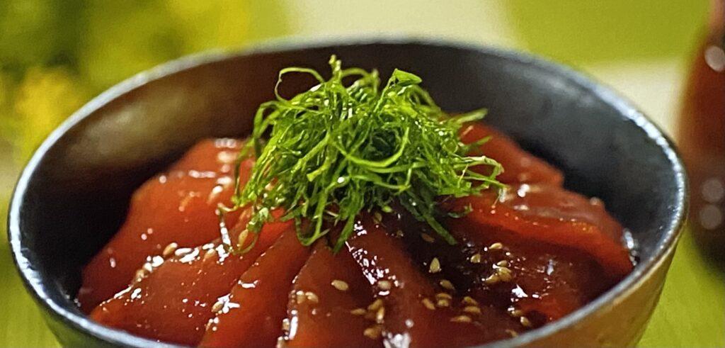 サラダの旨たれマグロの漬け丼 サタプラ