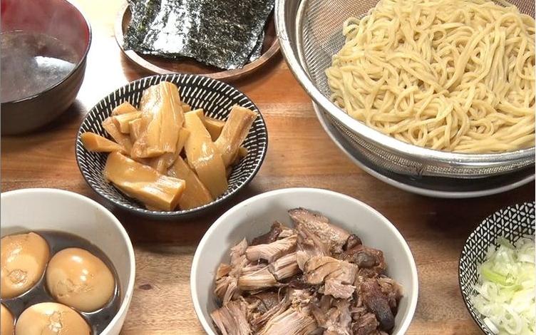 ホロホロチャーシューとWスープの特製つけ麺